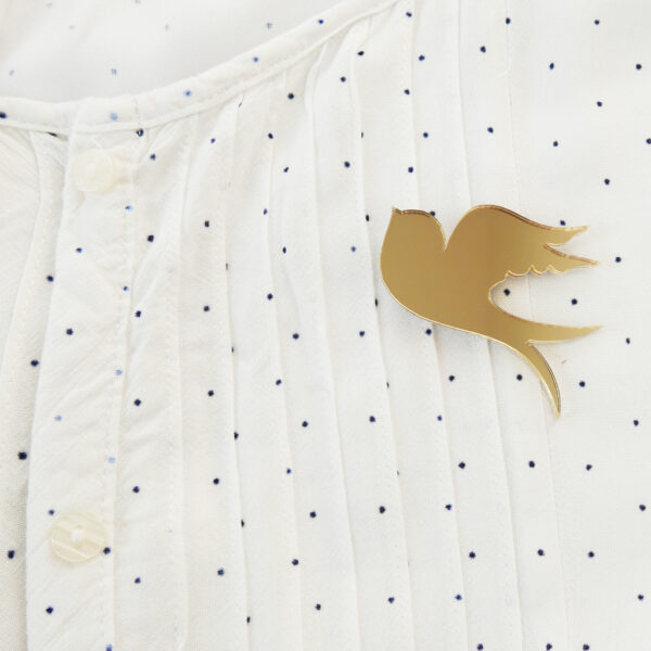 Swallow brooch on shirt | Spilla Rondine | BiCA-Good Morning Design