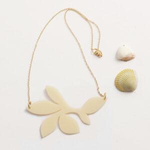 Collana floreale girocollo bianco avorio | statement necklace | BiCA-Good Morning Design