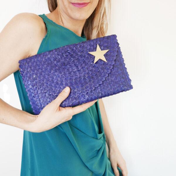 Borsetta clutch in paglia intrecciata blu | BICA-Good Morning Design
