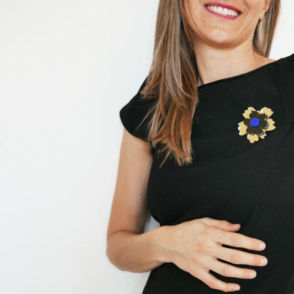 Spilla fiore Anemone oro nero e blu | Spille floreali | BiCA-Good Morning Design