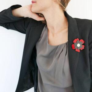 Spilla fiore Anemone rosso nero e oro | Spille floreali | BiCA-Good Morning Design