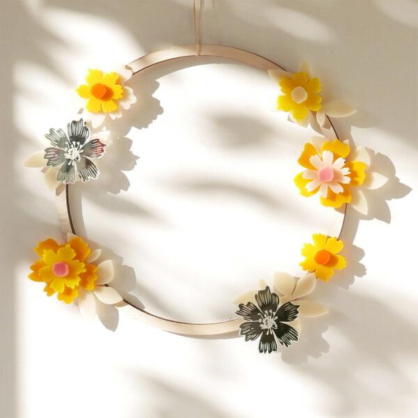 Ghirlanda floreale primaverile | ghirlanda primavera legno e fiori colorati | BiCA-Good Morning Design