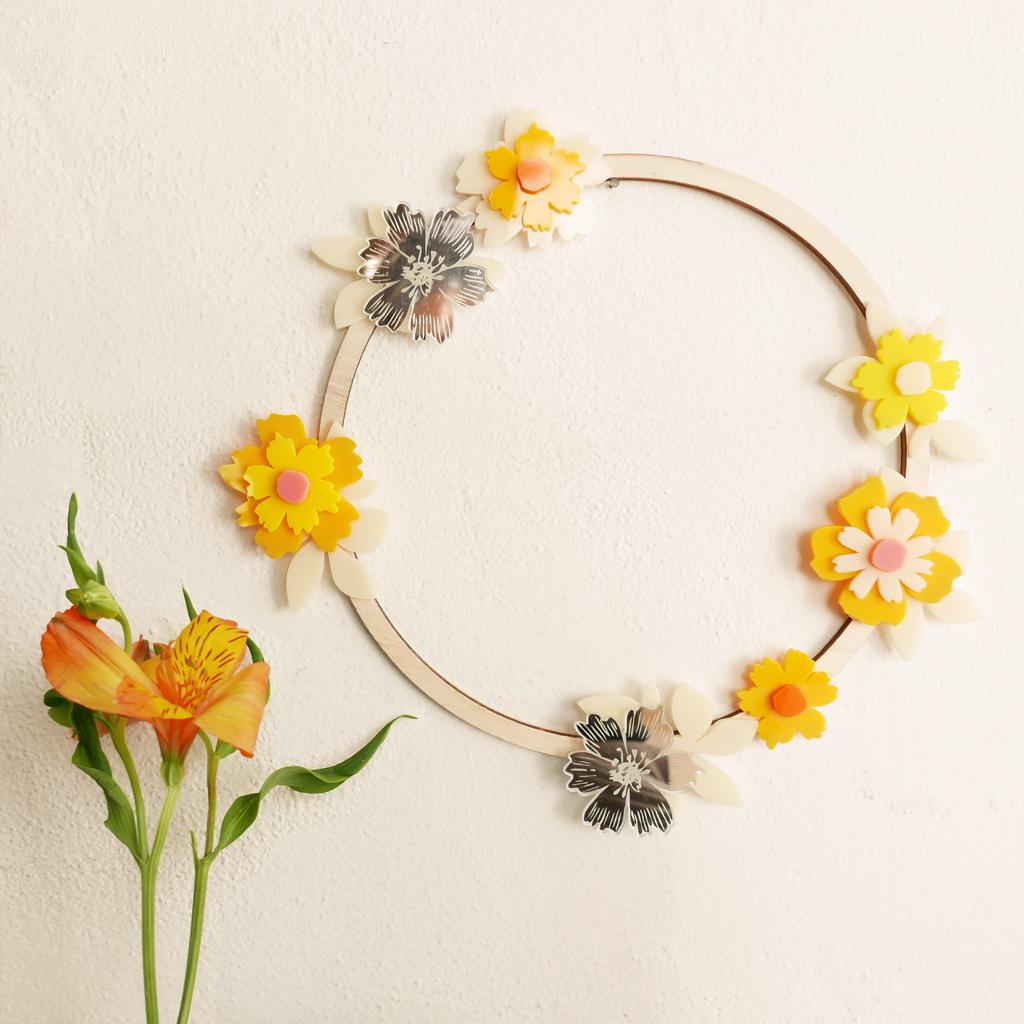 ghirlanda e fiori primavera