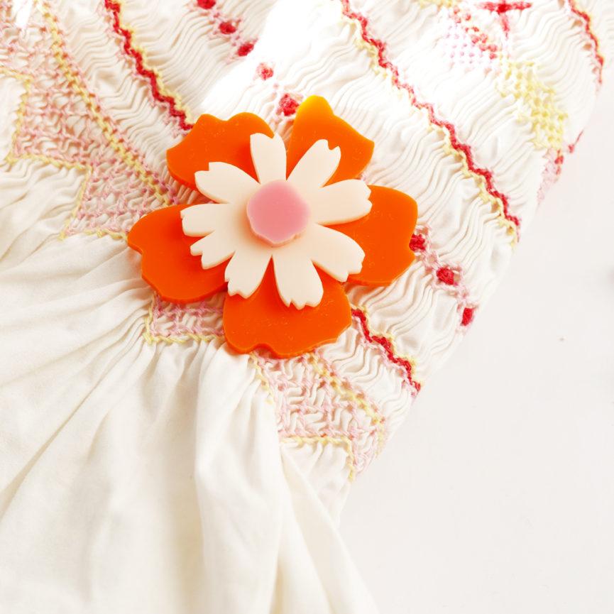 Spilla floreale Anemone arancione | spilla fiore acrilico | BiCA-Good Morning Design
