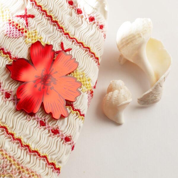 Spilla floreale Anemone rosso specchiante | spilla fiore acrilico | BiCA-Good Morning Design
