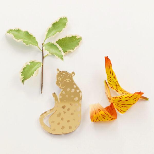 Spilla leopardo oro in acrilico | BiCA-Good Morning Design