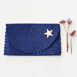 Borsetta clutch in paglia intrecciata blu | borsa paglia | BICA-Good Morning Design