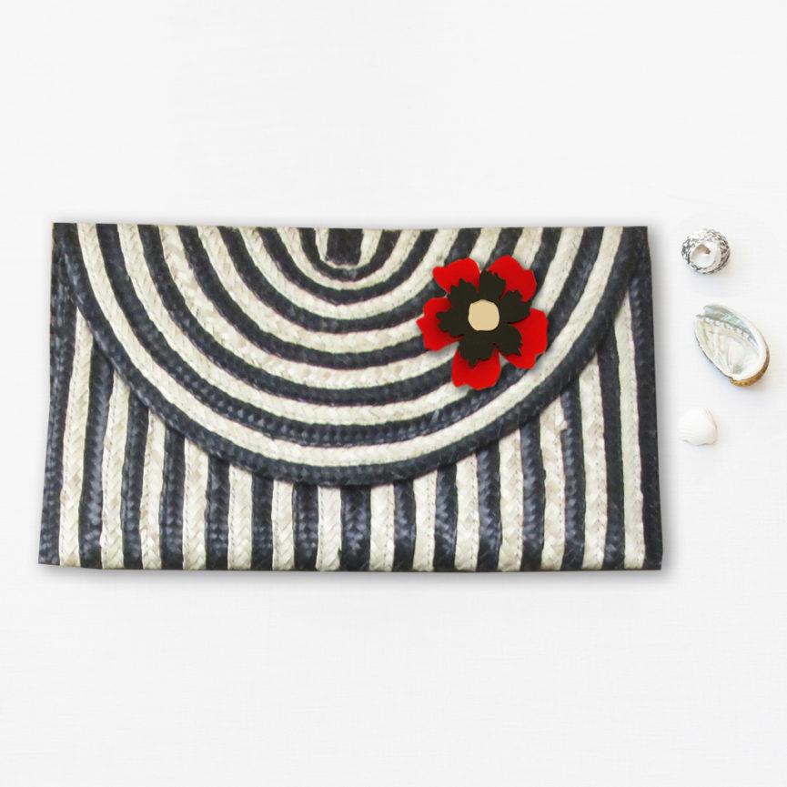 Borsetta clutch in paglia intrecciata a righe bianco e nero | BICA-Good Morning Design