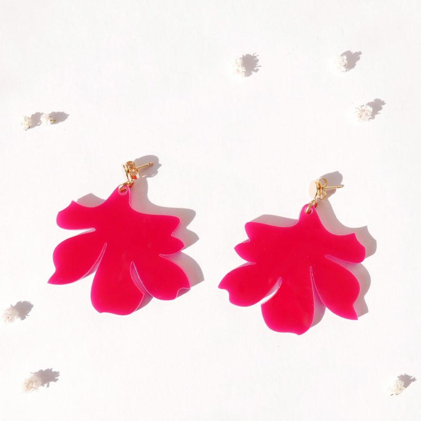 Orecchini pendenti floreali magenta   orecchini fiore fucsia e oro   BiCA-Good Morning Design