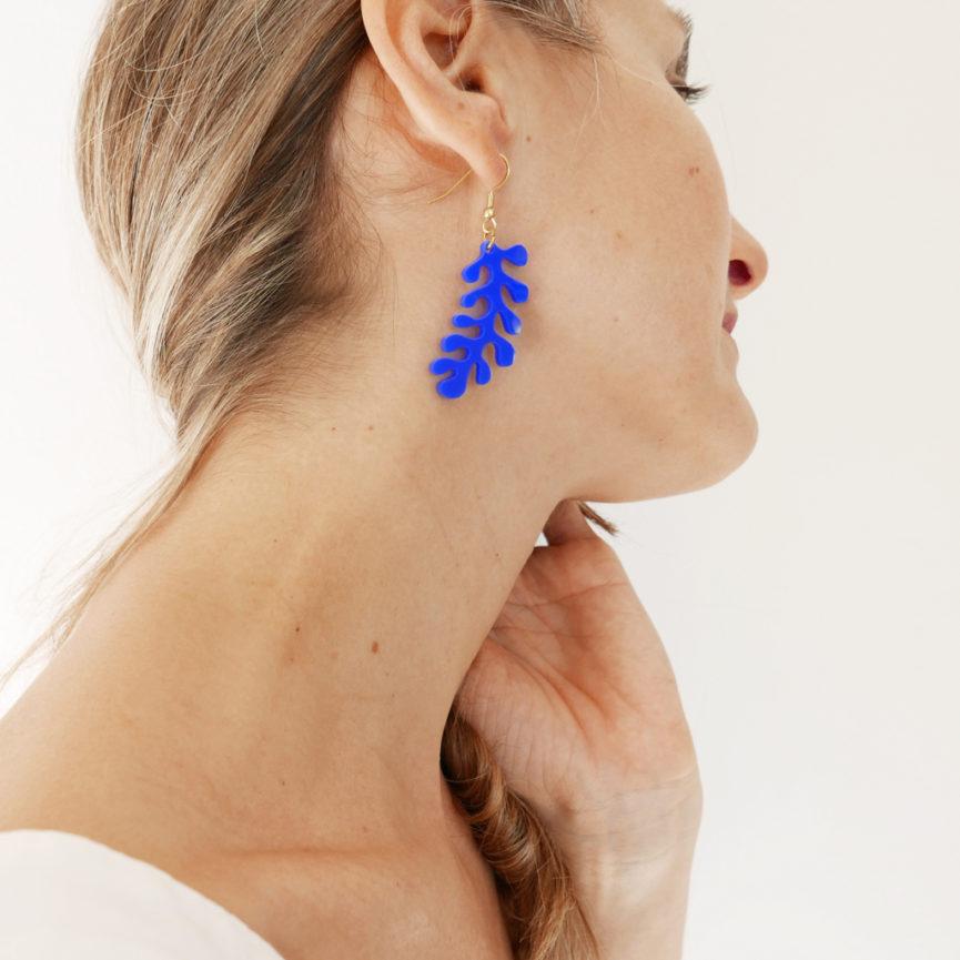 Orecchini pendenti corallo blu | Gioielli | Bica-Good Morning Design