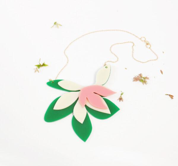 Collana floreale girocollo verde avorio e rosa   statement necklace   BiCA-Good Morning Design