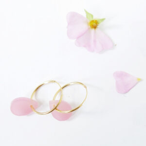 Orecchini a cerchio dorati con goccia rosa | Orecchini ad anello goccia | BiCA-Good Morning Design