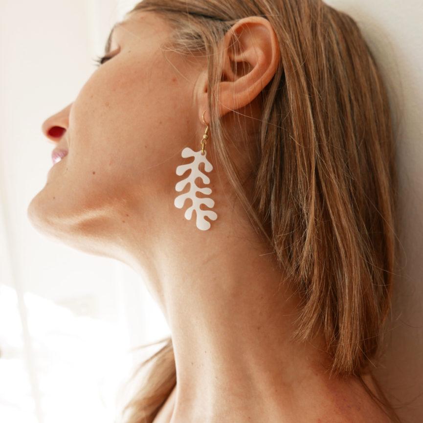 Orecchini Corallo bianco | Orecchini pendenti marini | BiCA-Good Morning Design