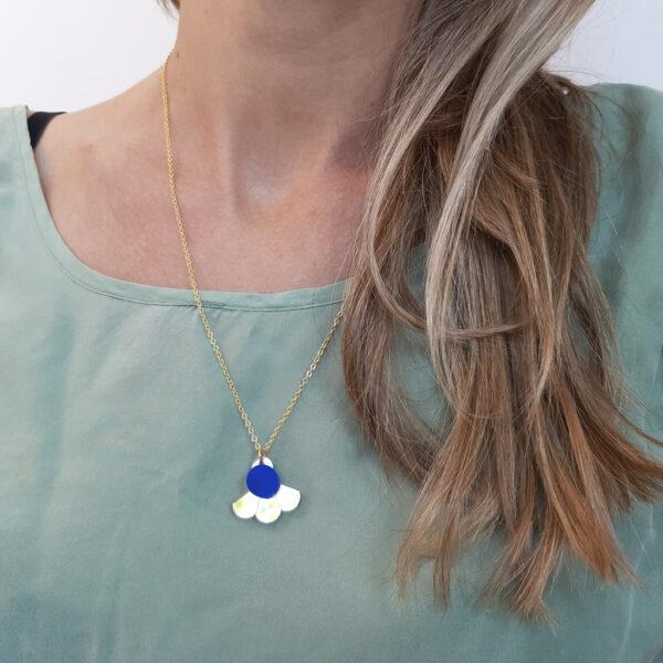 Small Fan Collana geometrica dorata girocollo con ciondolo oro e blu | BiCA-Good Morning Design