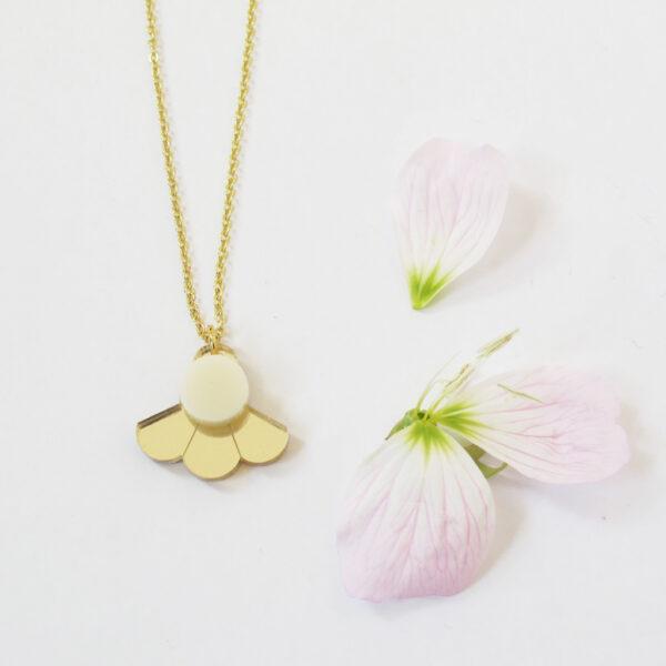 Small Fan Collana geometrica dorata girocollo con ciondolo oro e avorio | BiCA-Good Morning Design