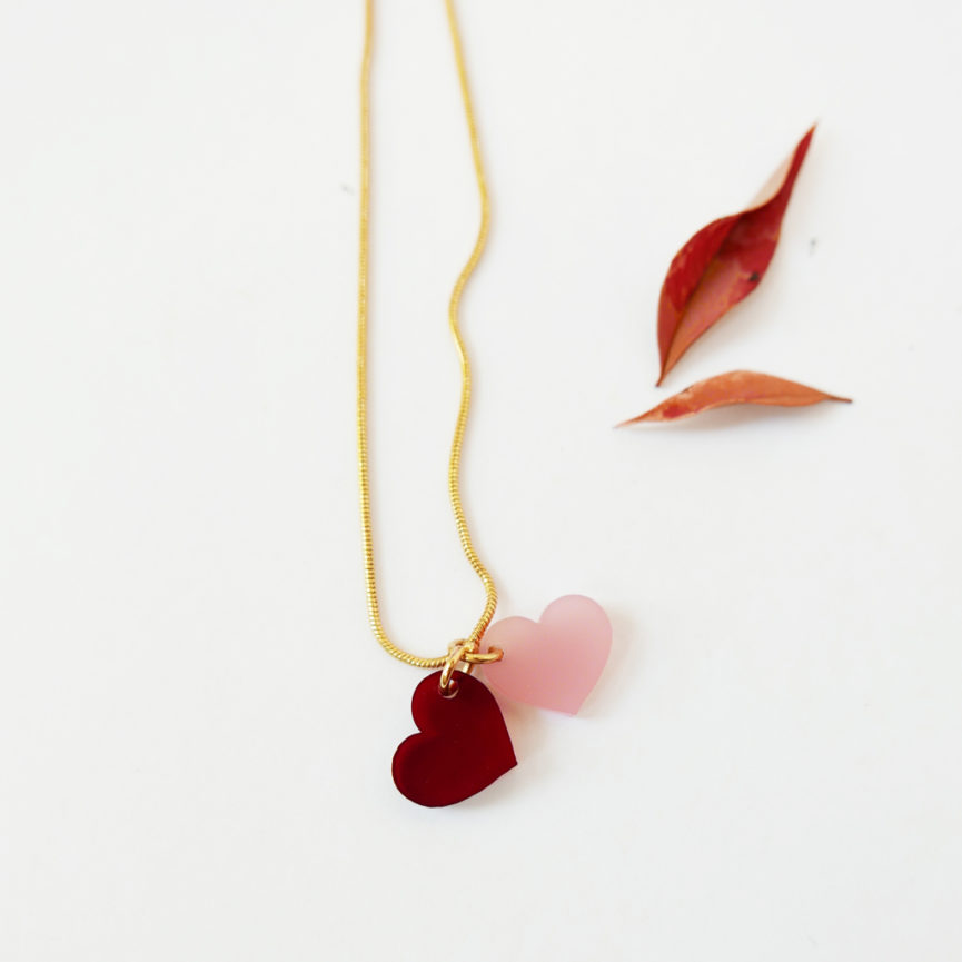 LOVE. COLLANA con cuori | collana girocollo serpentina dorata minimal | Regalo Natale e San Valentino | BiCA-Good Morning Design