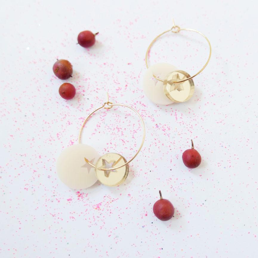 TWINKLE. IVORY. ORECCHINI A CERCHIO MINIMAL| orecchini con stelle | Regalo orecchini | BiCA-Good Morning Design
