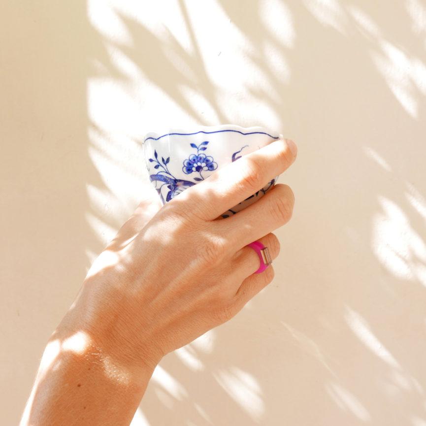 Sunset. Anello minimal di design fucsia e bronzo | Gioielli Milano | BiCA-Good Morning Design