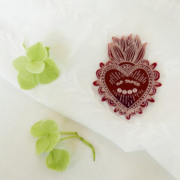 Spilla Cuore Sacro No More 2020 | portafortuna rossa | ex-voto | design made in Milano | BiCA-Good Morning Design