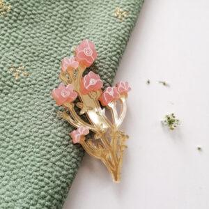 Spilla Fiori di Campo | illustrazione di Monika Forsberg | BiCA-Good Morning Design | acrilico specchio oro e rosa