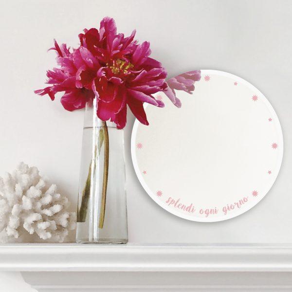 """Specchio tondo rosa """"Splendi"""" a sostegno per la lotta tumore al seno   BiCA Good Morning Design"""